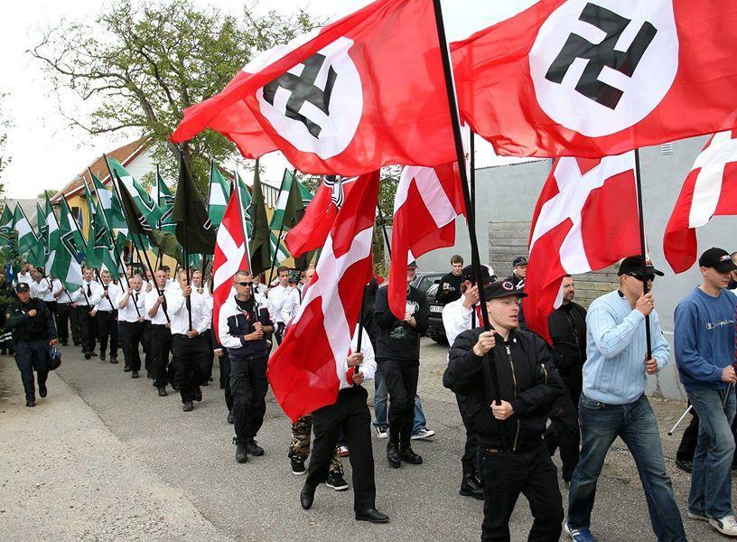 Folkemødet, nu med nazisme og højreekstremisme -- Samfundets Barn -- Sott.net
